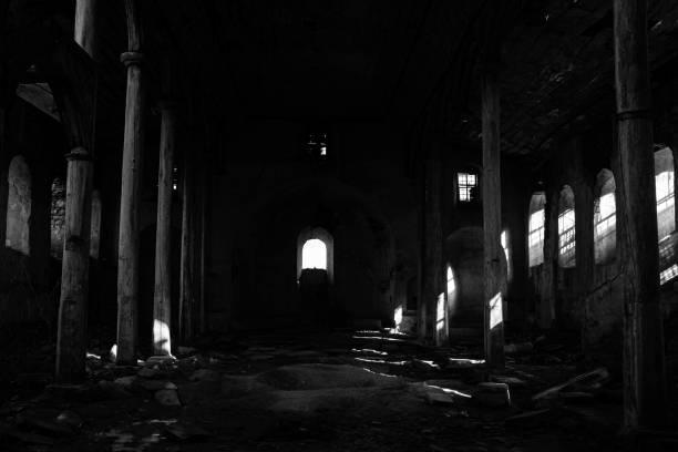 Verwüstete Kirche – Foto