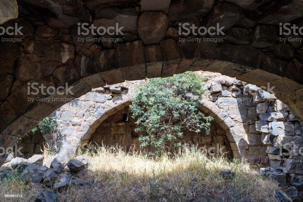 Ruinen eines christlichen Klosters des 6. Jahrhunderts n. Chr. in das verlassene Dorf Deir Qeruh in den Golanhöhen, Israel - Lizenzfrei Alt Stock-Foto