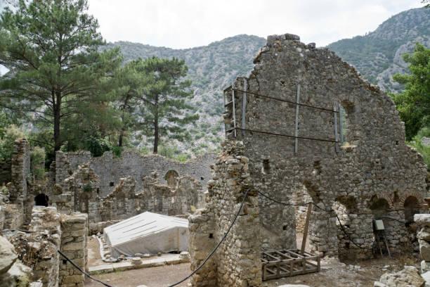 オリンポス古代リュキアの町 (Ciraly、トルコ) の遺跡 ストックフォト