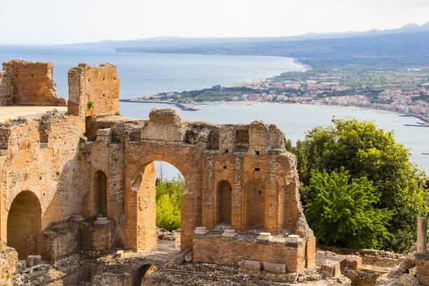 義大利西西里島陶爾米納希臘劇院遺址 - 陶爾米納 個照片及圖片檔