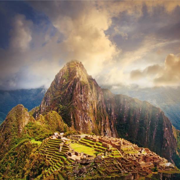 ruinas de machu picchu en perú - perú fotografías e imágenes de stock
