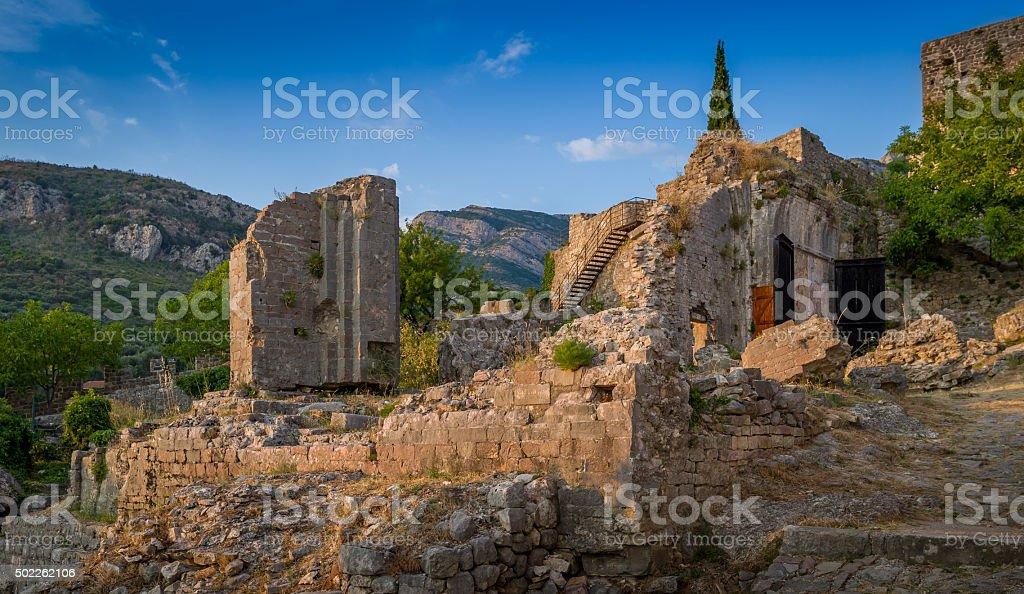 Ruinas del antiguo Bar medieval fortaleza - foto de stock