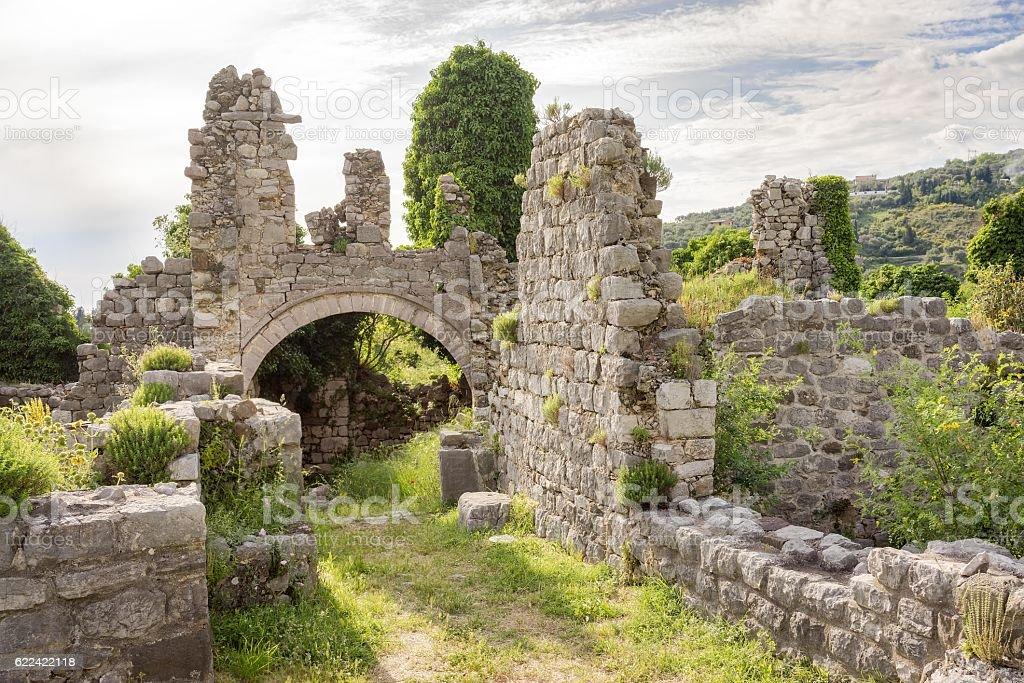 Ruinas de Stari Bar la antigua fortaleza, Montenegro. - foto de stock