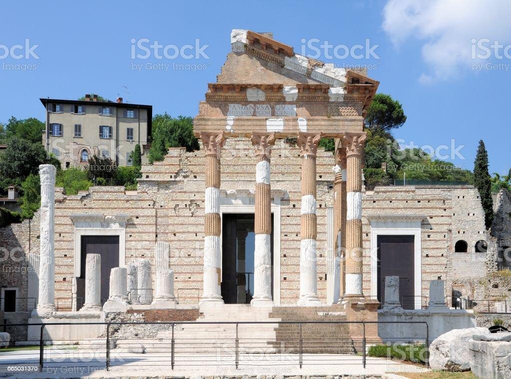 Ruins of the roman temple called Capitolium or Tempio Capitolino in Brescia Italy. Built by Vespasian in the year 73 AD. - foto stock