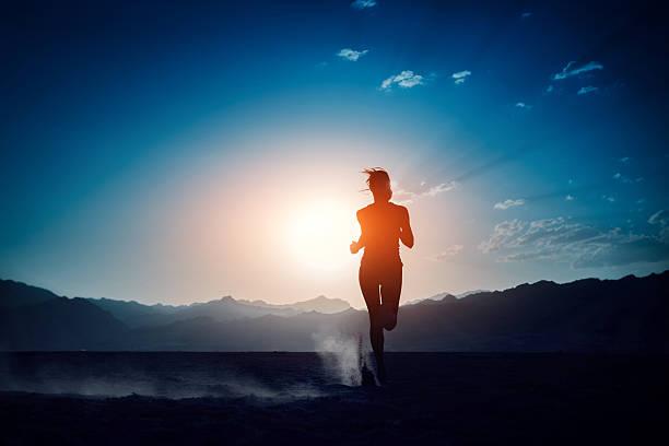 runner  - trail running fotografías e imágenes de stock