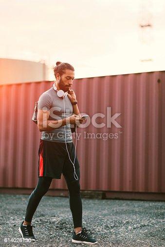 istock Runner 614026130