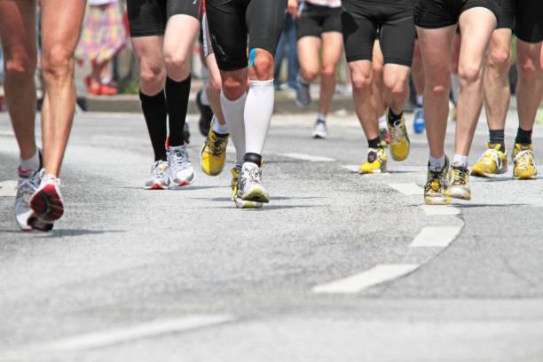 läufer - laufveranstaltungen stock-fotos und bilder