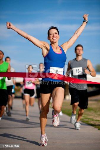 istock Runners 175437390