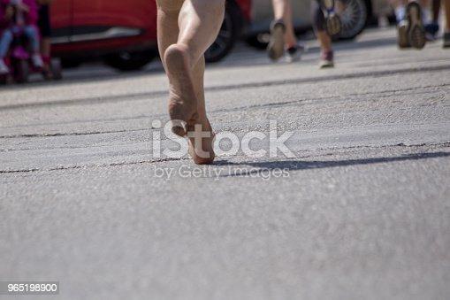 Runnesr Feet Back Race On Asphalt Action Background - Stockowe zdjęcia i więcej obrazów Asfalt