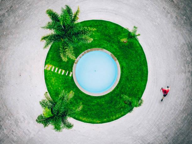 laufen in mexiko - pool rund stock-fotos und bilder