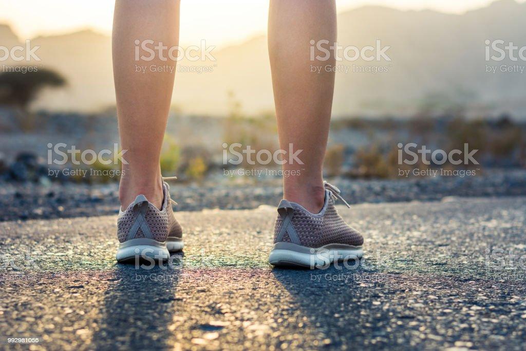 Laufen in der Wüste niedrigen Winkel Ansicht – Foto
