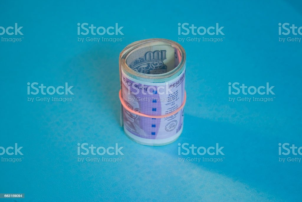 2000 rupee, Iindian 2000 Rs Currency notes rolled with rubber bands royalty-free 스톡 사진