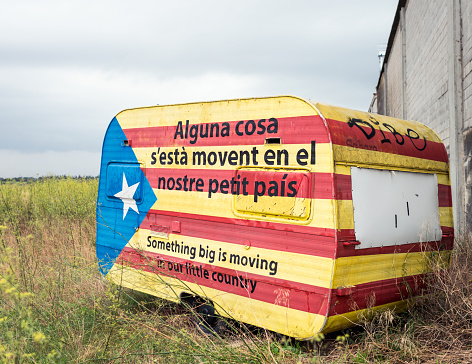 Rural caravan painted in support of Catalan Independence