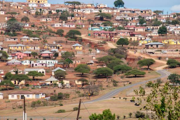 Rural Housing Scattered Over Hillside – Foto