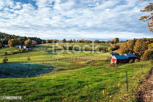 488912426istockphoto Rural scenery in Vermont in autumn 1196229413