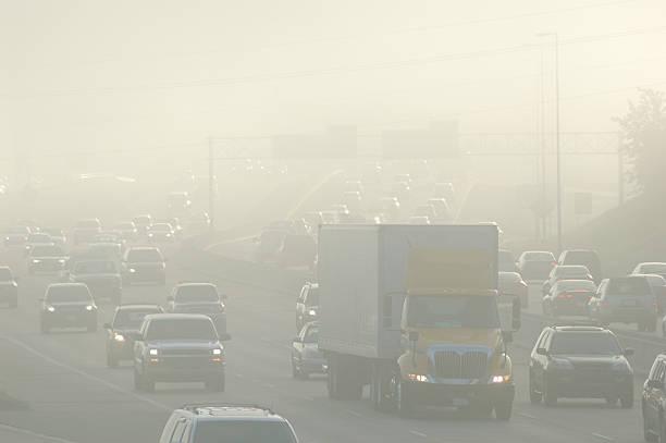 rush hour smog - smog stockfoto's en -beelden