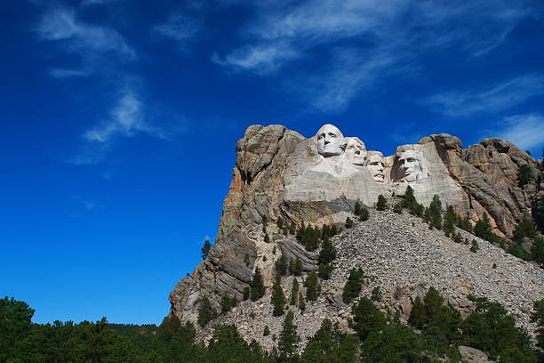 Rushmore mountain on a clear day Mount Rushmore National Monument in Rapid City SD mount rushmore stock pictures, royalty-free photos & images
