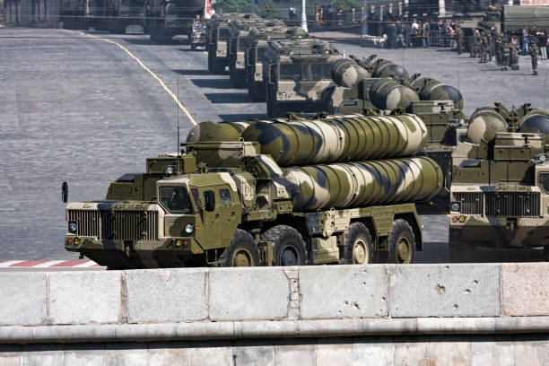 Russian anti-aircraft weapon system S-300 Moscow, Russia - May 5, 2008: Convoy of russian anti-aircraft weapon system S-300 in military parade rehearsal on Red Square, Moscow military parade stock pictures, royalty-free photos & images