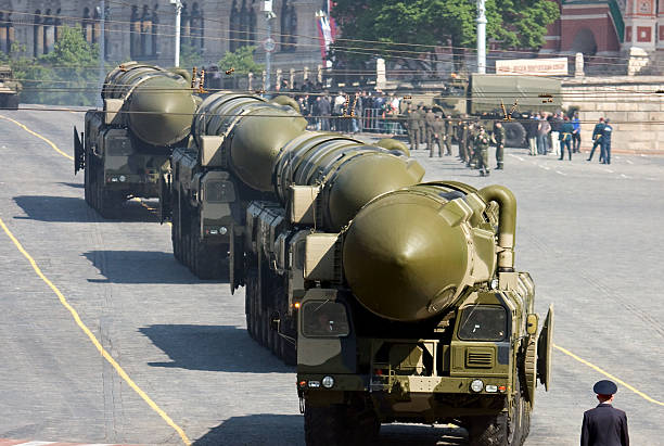 """russian nuclear missiles """"topol-m"""" in military parade, moscow - nuclear weapon stock photos and pictures"""