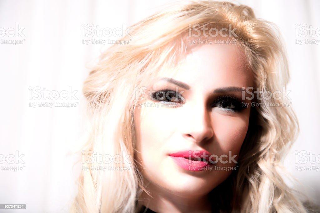 Rus kadın - sarışın stok fotoğrafı