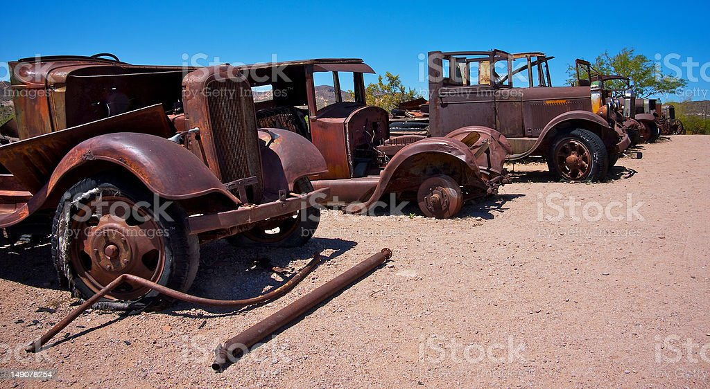 Rust Old Cars In The Desert Stock Photo & More Pictures of Abandoned ...