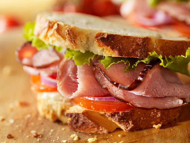 rustico panino prosciutto della foresta nera - panino ripieno foto e immagini stock