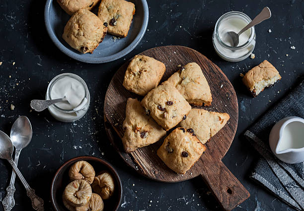 rustic cookies with dried figs and raisins. - scone bildbanksfoton och bilder