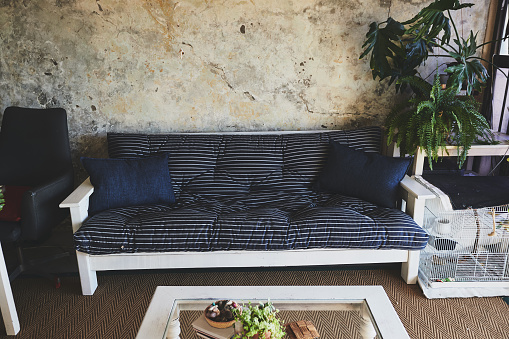 Rustic decor is all about a no-fuss aesthetic