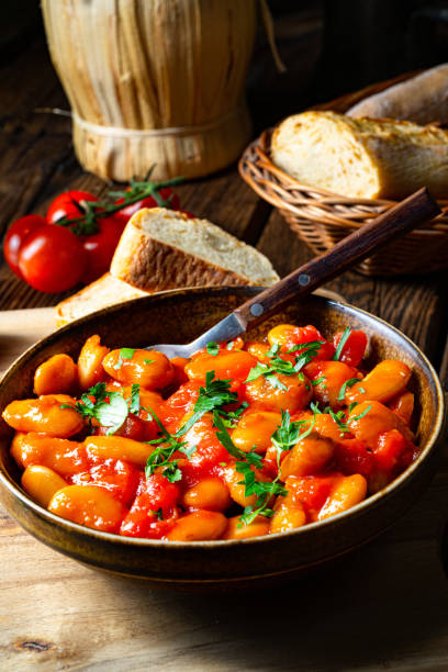 Rustic giant beans with fresh tomato sauce – zdjęcie