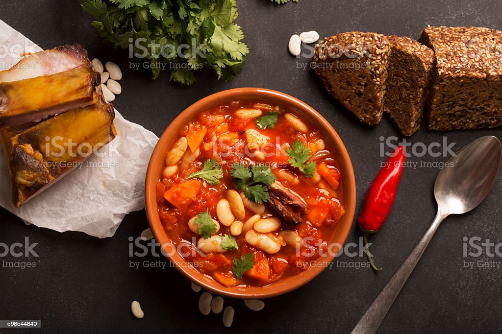 Rustic Kidney Bean Soup with beans and carrot photo libre de droits