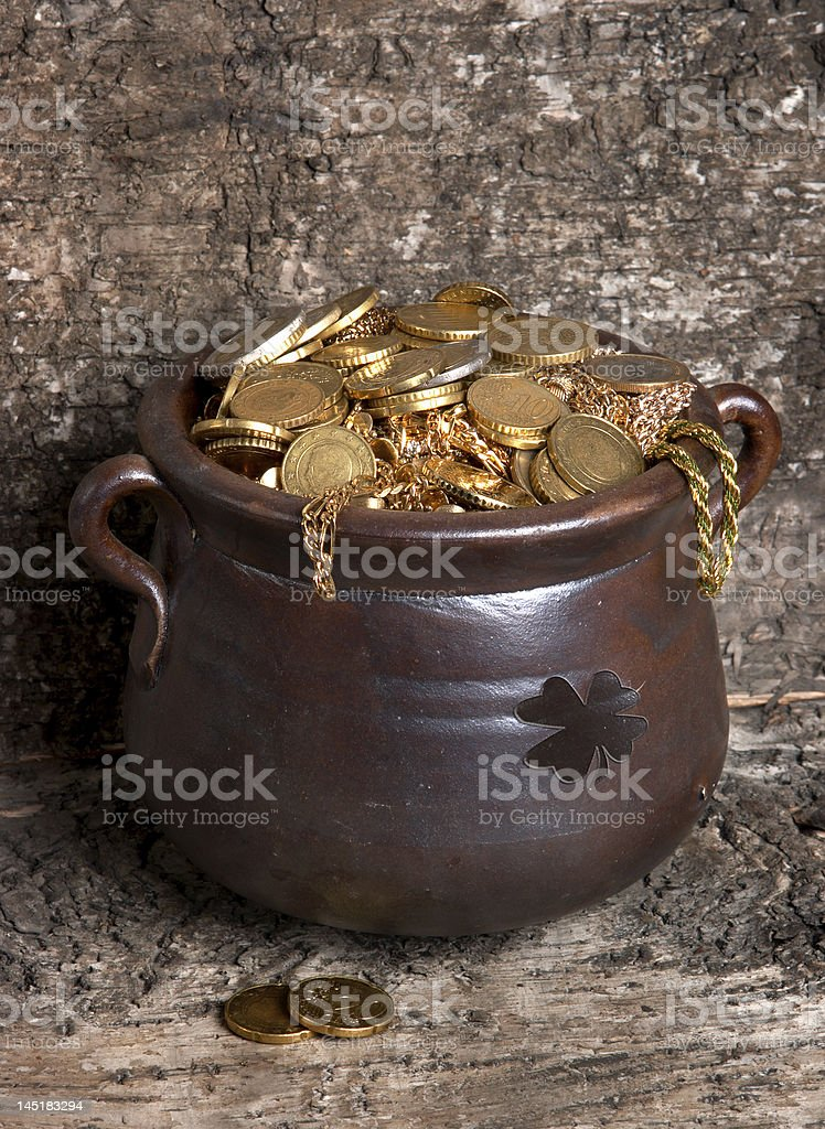 Rustic pot royalty-free stock photo