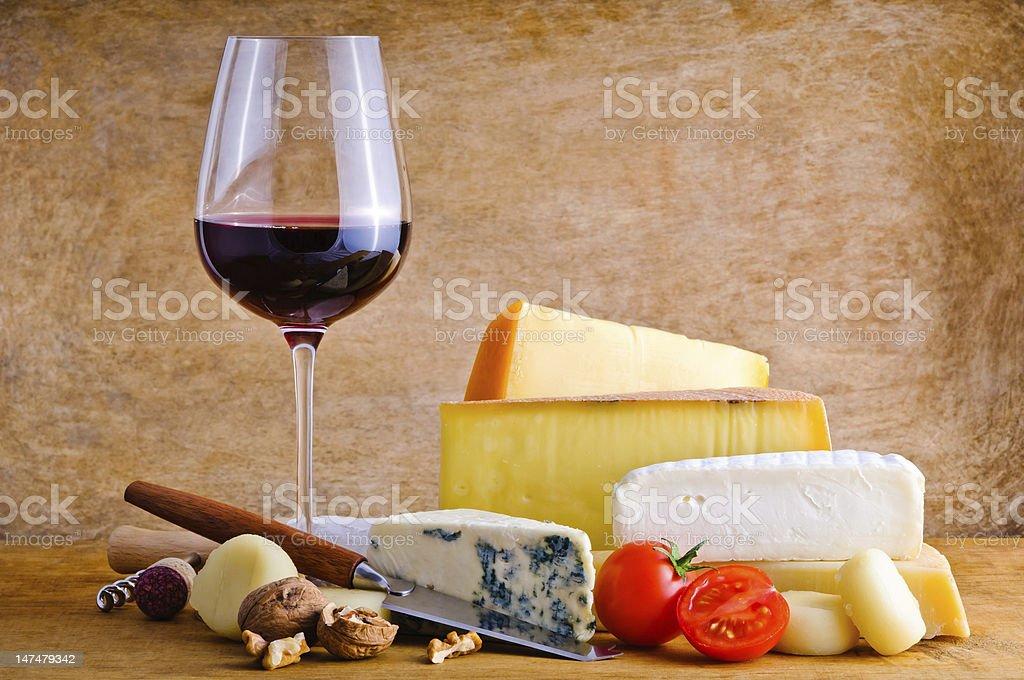 Rustikale snack mit Käse und Wein – Foto