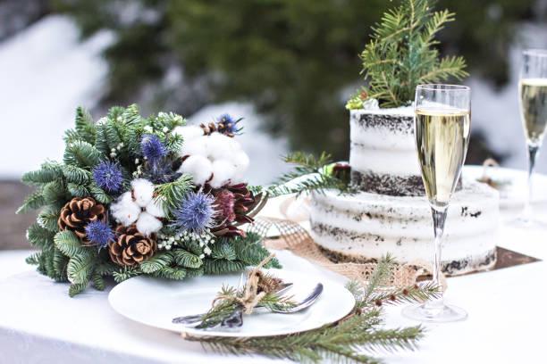 Rustic winter wedding table decor picture id1202680702?b=1&k=6&m=1202680702&s=612x612&w=0&h=k rm4kmieebrct od9wn08hzyyqr2 helqjnk1y4zra=
