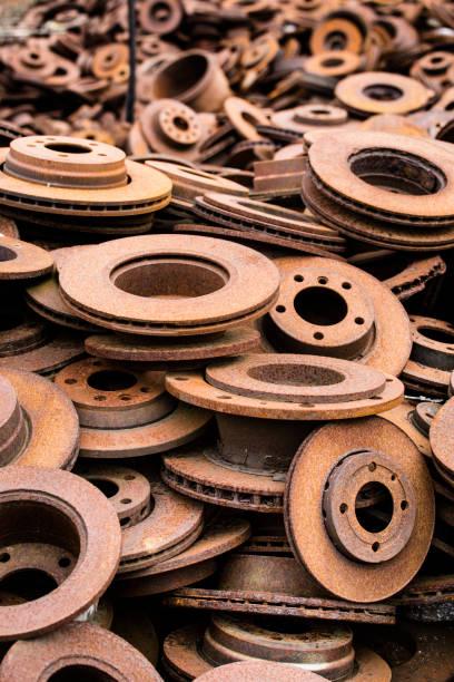 rouille disques de frein - disque de frein photos et images de collection