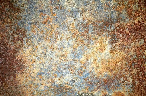 rusty grunge old empty sheet metal wall texture background - roestig stockfoto's en -beelden
