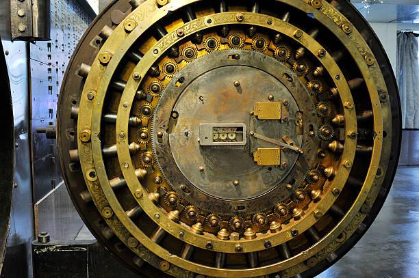 Rusty inner workings of a bank vault Bank vault door vaulted door stock pictures, royalty-free photos & images
