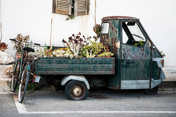Ruggine triciclo Apecar italiano - foto stock