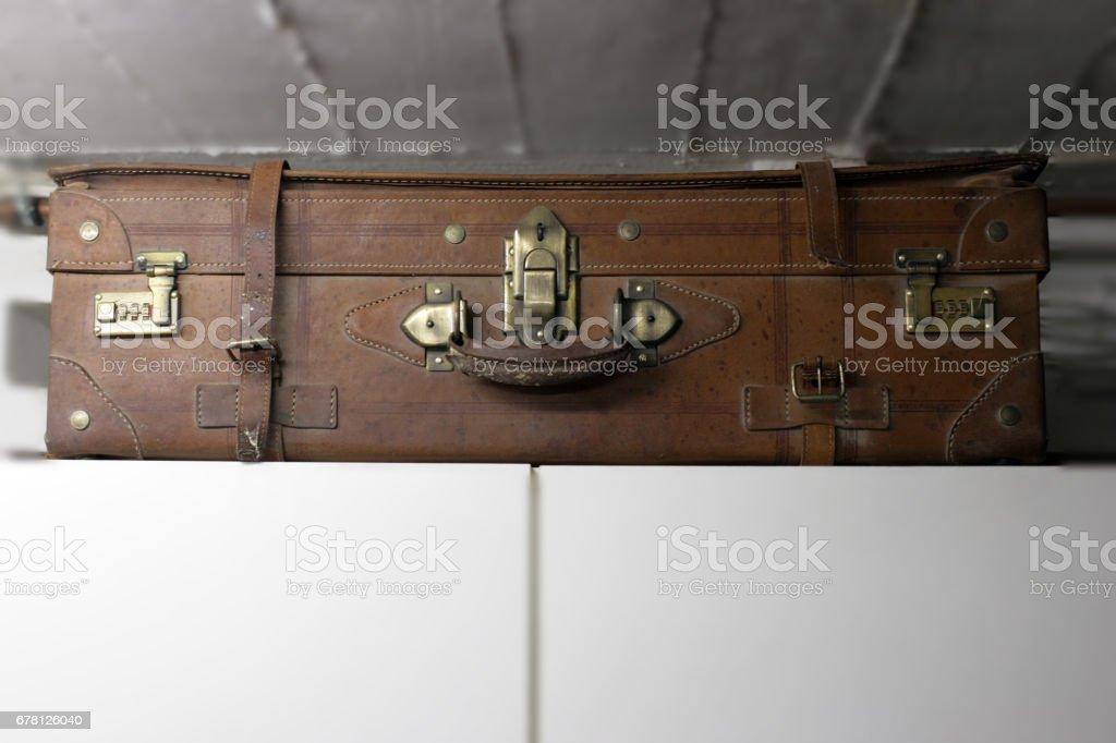 Enferrujado velha mala de couro marrom viagens - foto de acervo