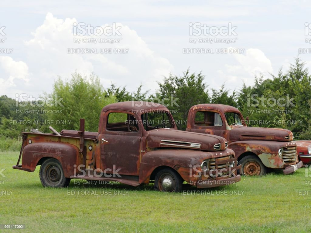 Rusty Old Pickup Trucks Stock Photo & More Pictures of Antique | iStock