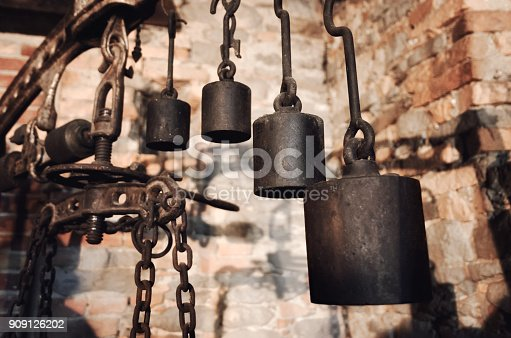 istock rusty weight scale 909126202