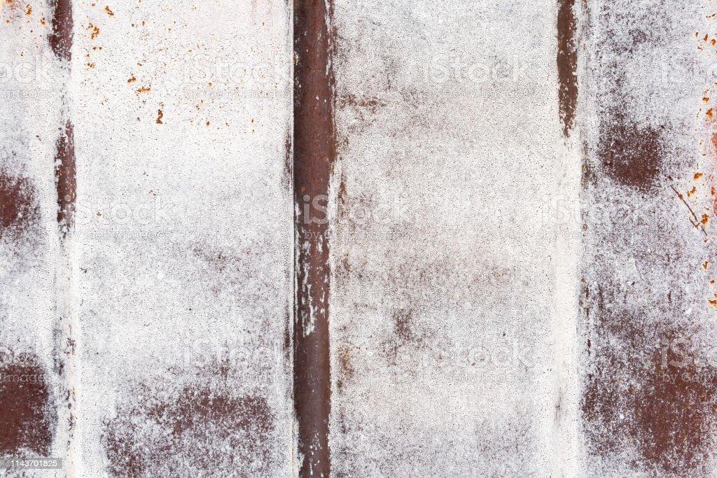 Photo Libre De Droit De Mur De Garage En Métal Blanc Et