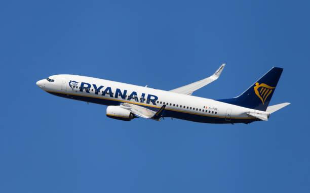 Ryanair Boeing 737-800 Banking stock photo