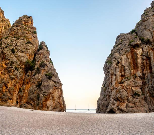 sa calobra - mejor playa de mallorca - pbsm fotografías e imágenes de stock