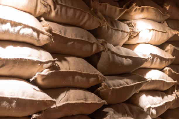 Sacos de Café Estoque de cereais para transporte oat crop stock pictures, royalty-free photos & images