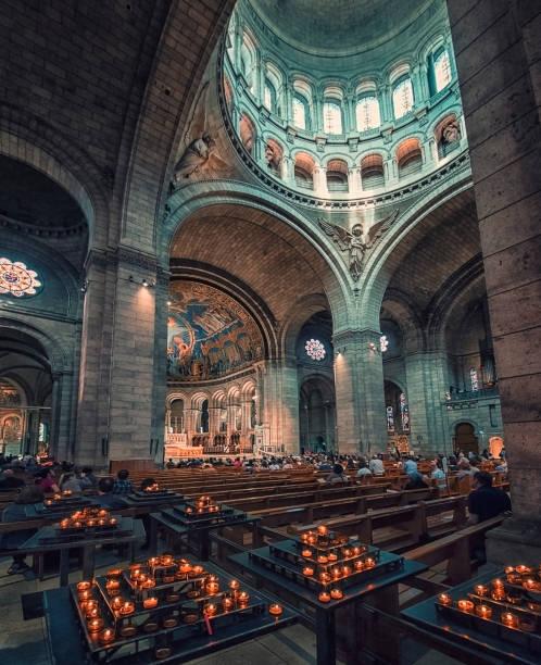 bazyliki sacre-coeur w paryżu - jesus and heart zdjęcia i obrazy z banku zdjęć