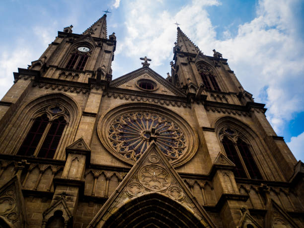 sacred heart cathedral in guangzhou, china. - jesus and heart zdjęcia i obrazy z banku zdjęć