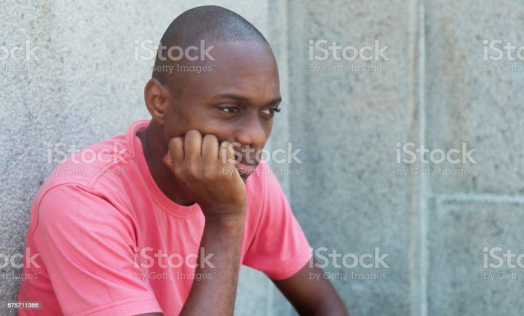 悲傷和無毛的非洲裔美國人 免版稅 stock photo