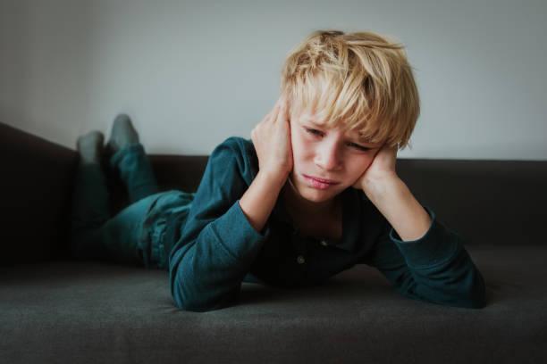 Trauriges Kind, Stress und Depressionen, Schmerz, Trauer – Foto