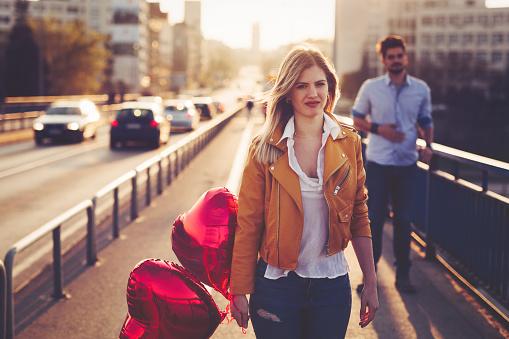 引数の後悲しい夫婦崩壊の関係 - 2人のストックフォトや画像を多数ご用意