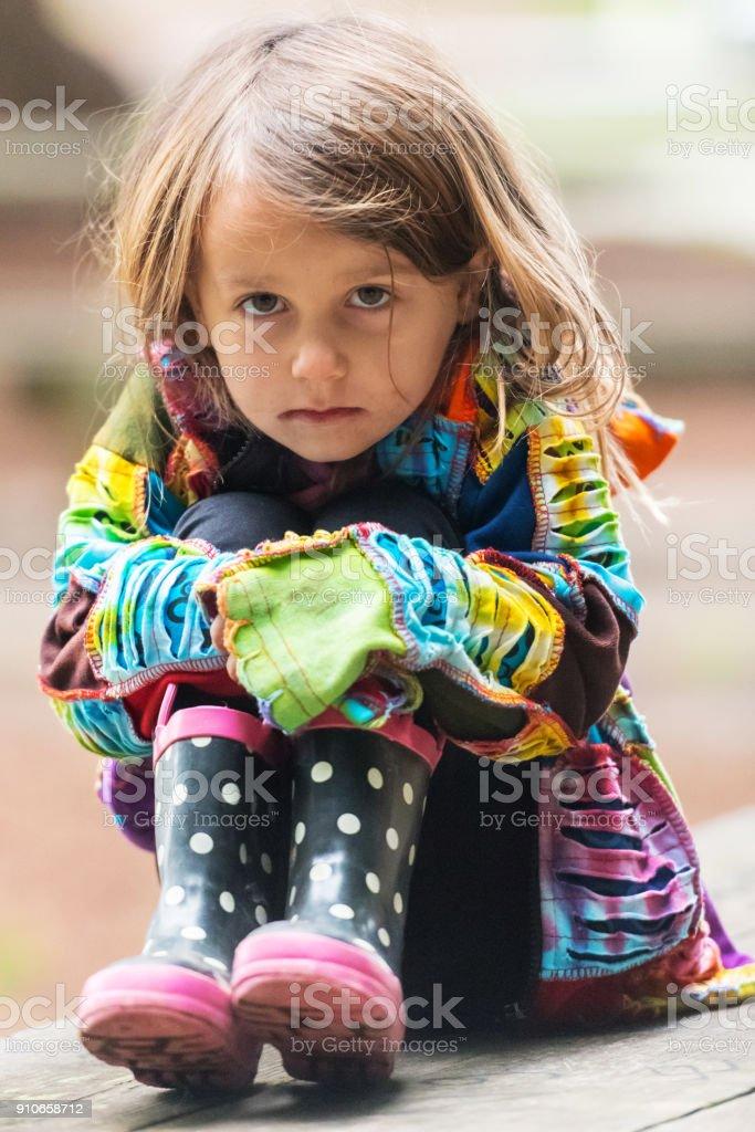 Traurige kleine Mädchen – Foto
